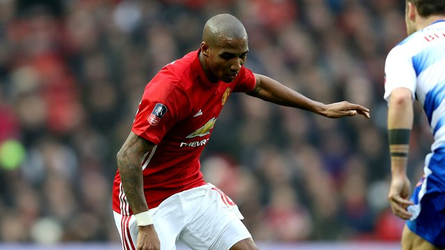 ashley-young-manchester-united_6golftdt3n501eath1f89r9ts.jpg